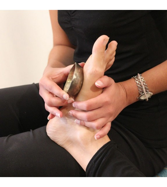 Ayurvedic bowl massage - Feet